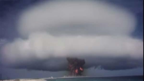 Vision Apocalyptique : des centaines de vidéos d'essais nucléaires . Nuke110