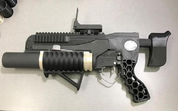 Lance-grenades fabriqué à l'aide d'une imprimante 3D Rambo-10