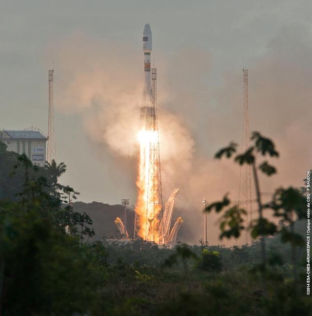 3 avril 2014 - Lancement réussi pour le satellite Sentinel-1A  1154-i10