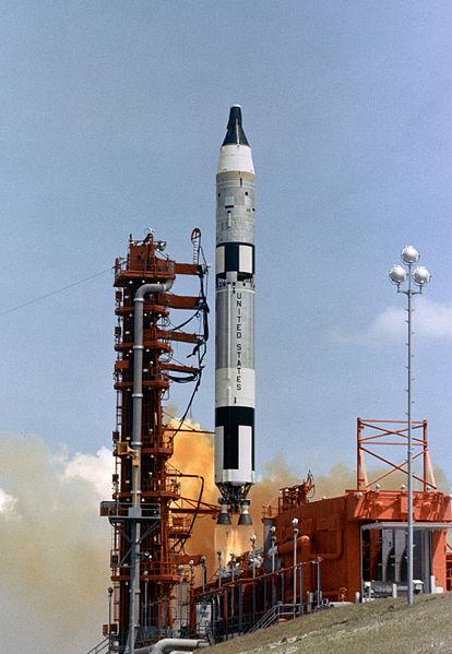 Programme Gemini (autres que les missions) - Rares Documents, Photos, et autres ... 414px-10