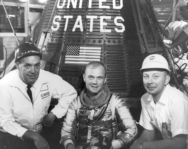Disparition de Paul C. Donnelly (1923 - 2014) / Apollo Launch Operations Manager 757px-10