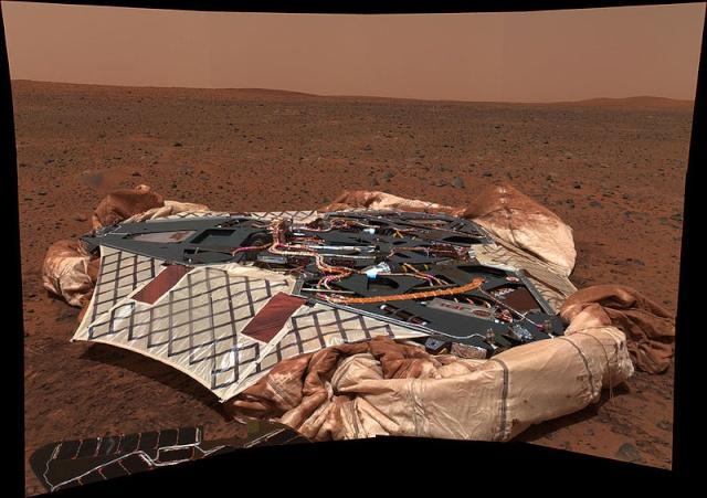 10ème anniversaire de l'arrivée du rover Spirit sur Mars - 3 janvier 2004 800px-10