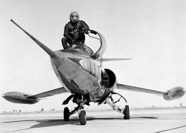 60ème anniversaire du F-104 Starfighter / 1954 - 2014 800px-14
