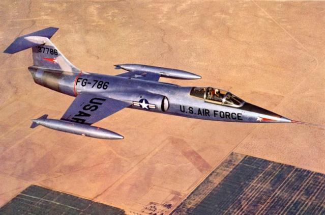 60ème anniversaire du F-104 Starfighter / 1954 - 2014 800px-15