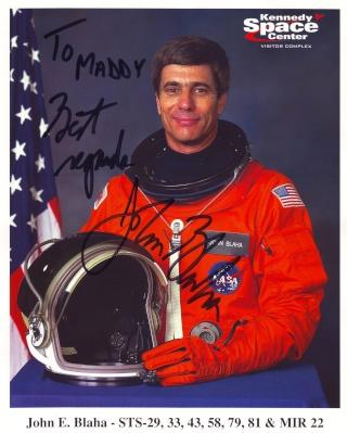 13 mars 1989 - Mission STS-29 / 25ème anniversaire Blaha_10