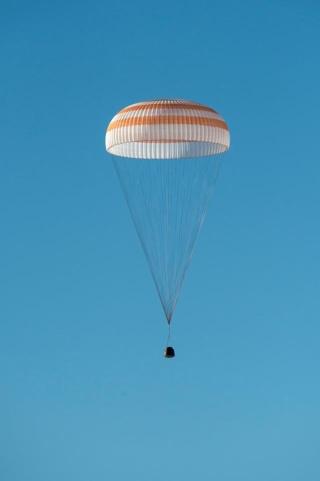 7 novembre 2013 - Mission Soyouz TMA-11M / Expedition 38-39 Exp_3910
