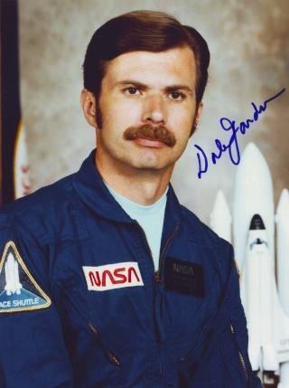 Disparition de l'astronaute Dale Gardner (1948 - 2014) Gardne10