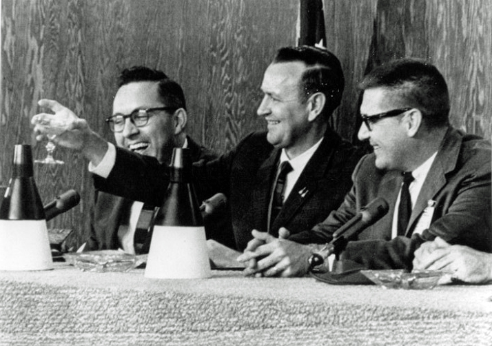 Gemini 6 - La mission - Rares Documents, Photos, et autres ... Gemini10