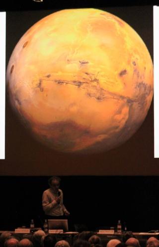 7 novembre 2013 - Conférence sur Mars / Palais de la Découverte (avec Francis Rocard, Romain Charles et Sylvie Vauclair) Img_4613