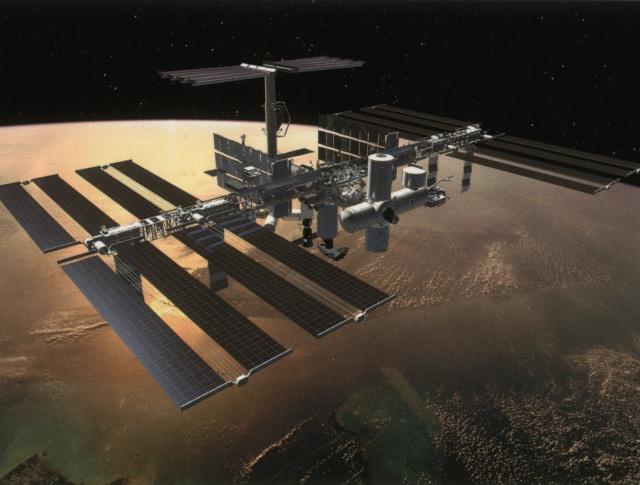 Prolongation de l'utilisation de l'ISS jusqu'en 2024 par les Etats-Unis (edit : la Russie et autres partenaires) Iss_vu10