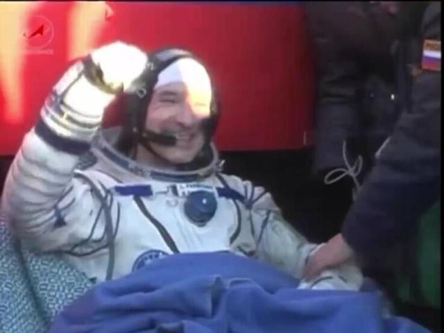 Vol de Luca Parmitano / Expedition 36-37 - VOLARE / Soyouz TMA-9M - Page 2 Luca_110