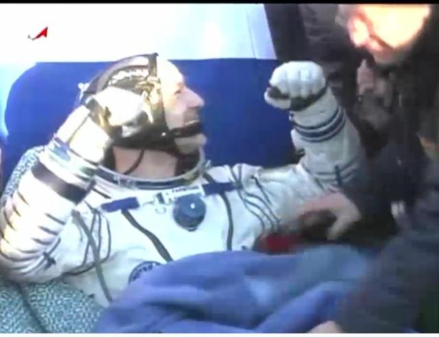 Vol de Luca Parmitano / Expedition 36-37 - VOLARE / Soyouz TMA-9M - Page 2 Luca_310