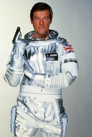 Disparition de l'acteur Roger Moore (1927-2017) Moonra10