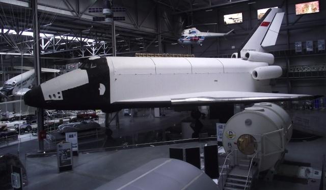 La navette spatiale OK-GLI ''Buran'' du Musée Technique de Speyer (Allemagne) Musee_10