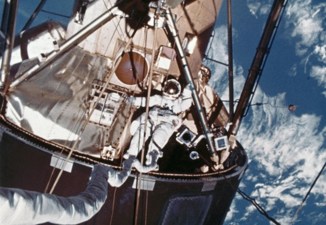 Skylab 4 - La mission - Rares Documents, Photos, et autres ... Skylab12