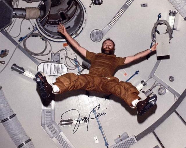 Skylab 4 - La mission - Rares Documents, Photos, et autres ... Skylab13