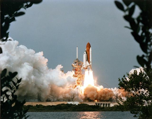 30ème anniversaire de la mission STS-9 et du premier vol de Spacelab Sts-9_13
