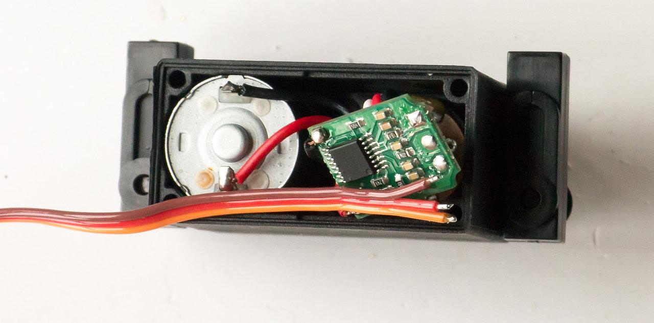 [HOW-TO] Shorten your servo wires Servo312