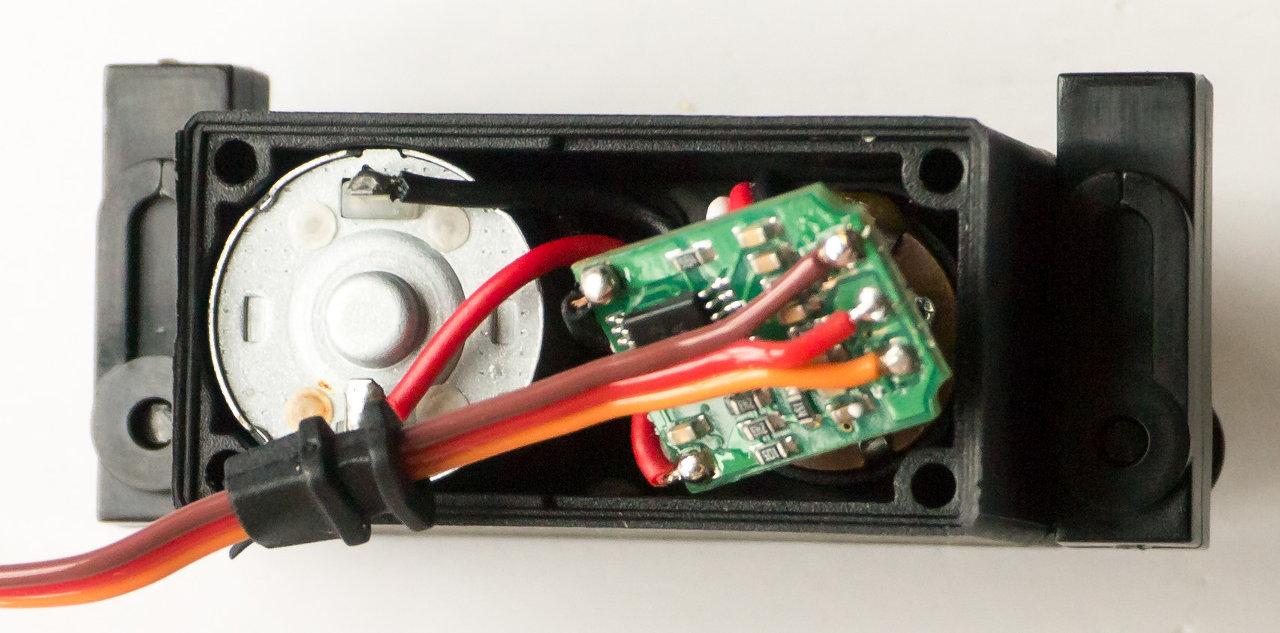 [HOW-TO] Shorten your servo wires Servo410