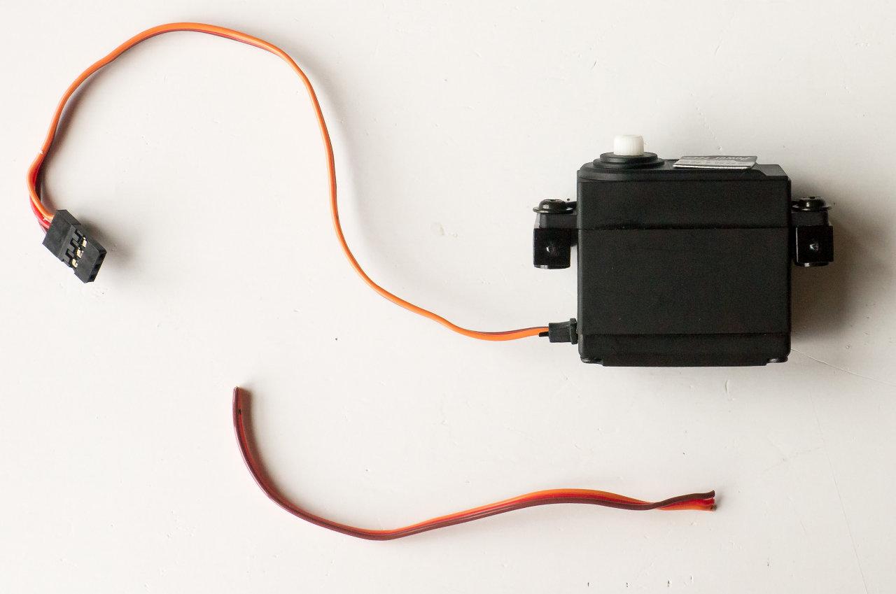 [HOW-TO] Shorten your servo wires Servo510