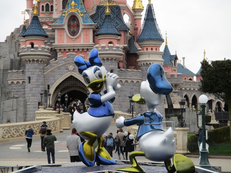 [Saison] 25ème Anniversaire de Disneyland Paris (à partir du 26 mars 2017) - Page 36 Img_0215