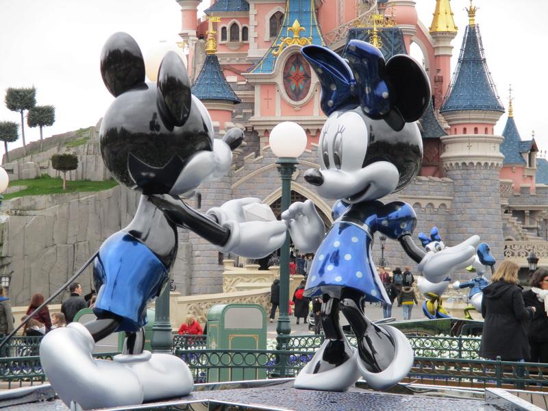 [Saison] 25ème Anniversaire de Disneyland Paris (à partir du 26 mars 2017) - Page 36 Img_0218
