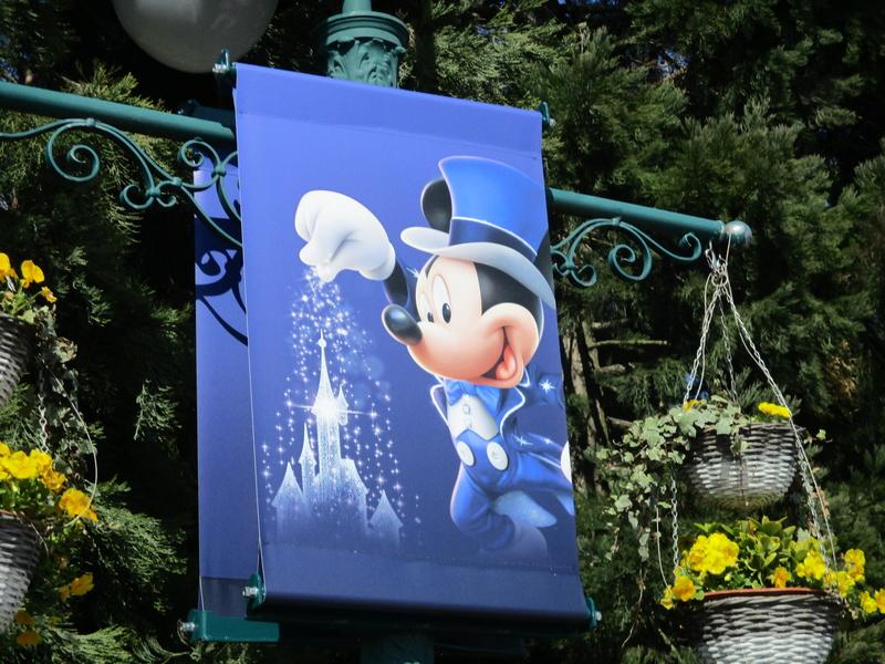 [Saison] 25ème Anniversaire de Disneyland Paris (à partir du 26 mars 2017) - Page 40 Img_0311