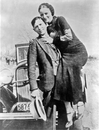 Bonnie & Clyde 800px-12