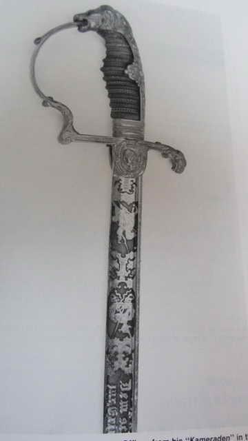 Sabre de cavalerie, pommeau à tête de lion et oreillon à tête de femme  Img_6635
