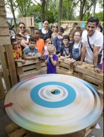"""Commerce : le coton équitable présenté dans un """"Village"""" à Paris Villag10"""