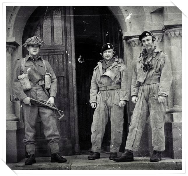 Précision sur l'uniforme britannique( servants de blindés) 14412310