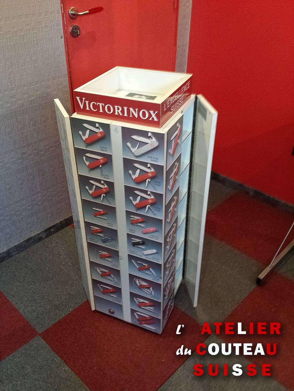 Meuble de magasin Victorinox de 1991 Presen10