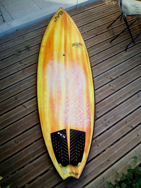 [VENDU]Vds CUSTOM JVB Surfboards 7'10/27.5/90L Img_2010