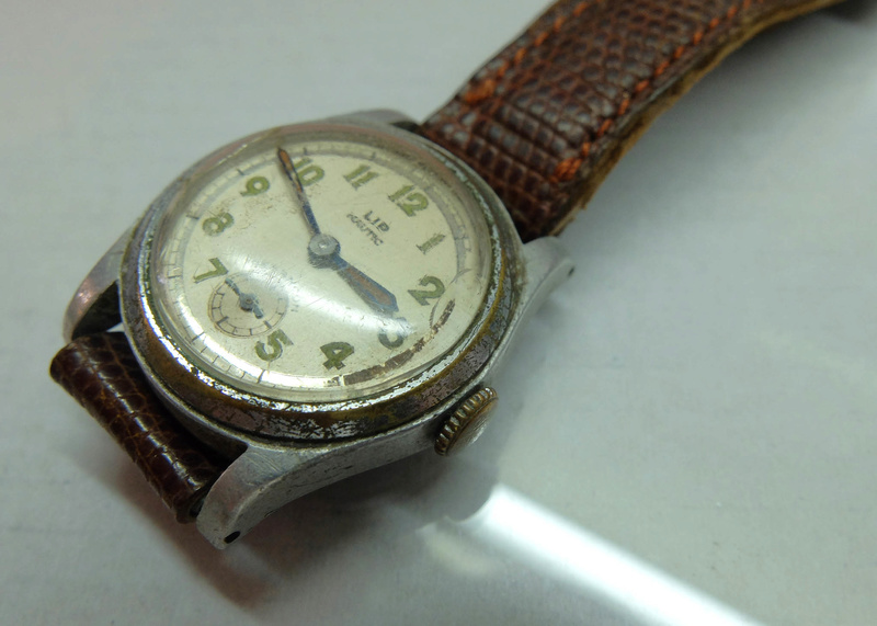 Jaeger -  [Postez ICI les demandes d'IDENTIFICATION et RENSEIGNEMENTS de vos montres] - Page 41 Lip20n10