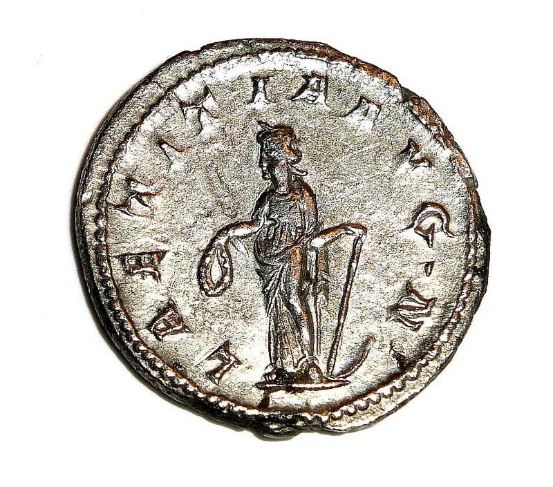 Monnaie romaine à identifier F1210