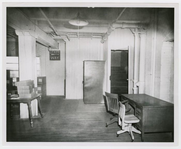 Floor - Anatomy Of A Second Floor Lunchroom Encounter - Page 6 Downlo10