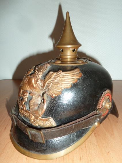 Beaucoup de choses, mais surtout des casques allemand. P1500228