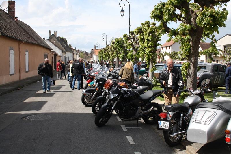 2ème Rassemblement American Legend , voitures et motos anciennes à LORMAYE 28.  - Page 2 Img_2196