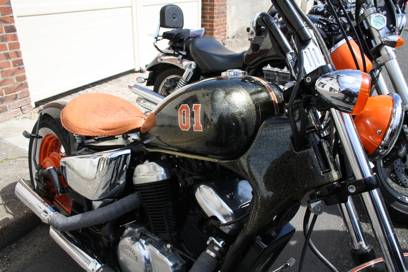 2ème Rassemblement American Legend , voitures et motos anciennes à LORMAYE 28.  Img_2340