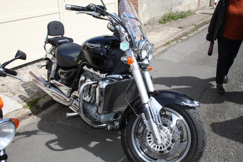 2ème Rassemblement American Legend , voitures et motos anciennes à LORMAYE 28.  Img_2347