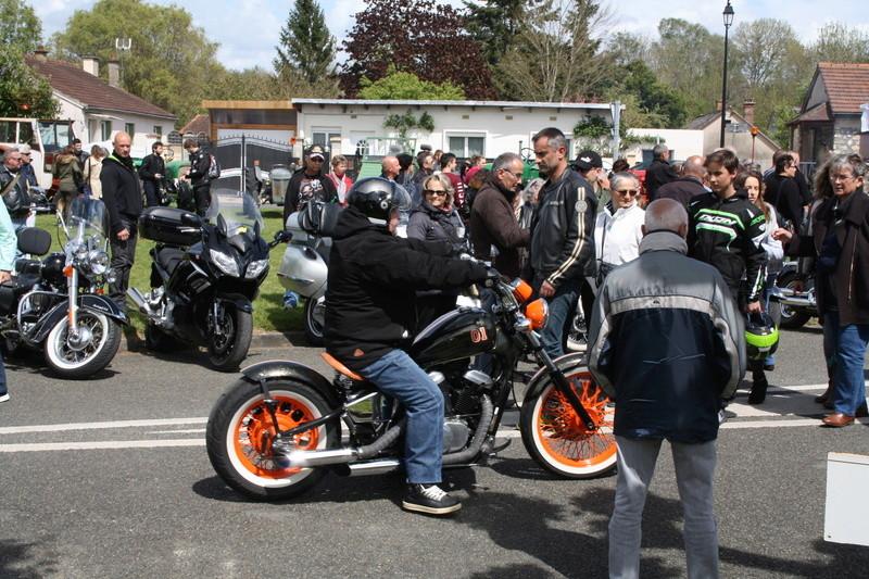 2ème Rassemblement American Legend , voitures et motos anciennes à LORMAYE 28.  - Page 2 Img_2370
