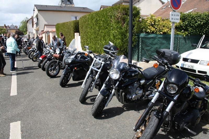 2ème Rassemblement American Legend , voitures et motos anciennes à LORMAYE 28.  - Page 2 Img_2374