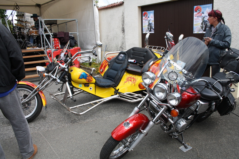 2ème Rassemblement American Legend , voitures et motos anciennes à LORMAYE 28.  - Page 2 Img_2388
