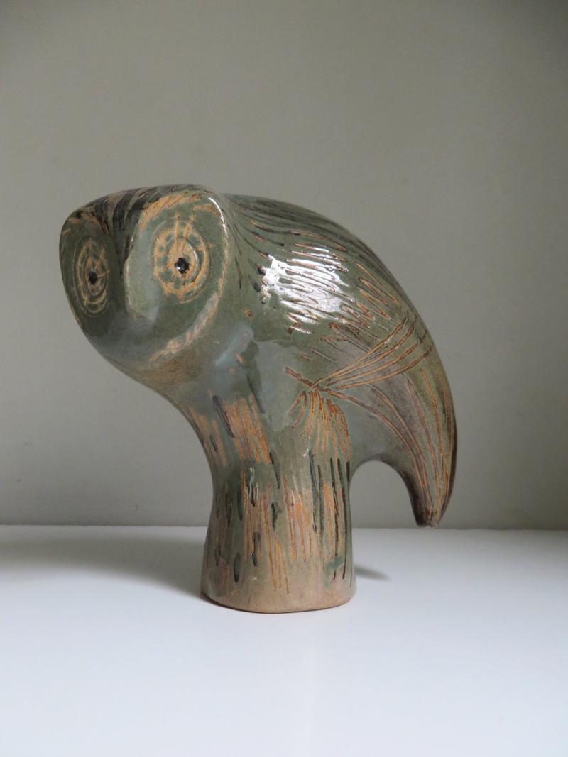 Sgraffito owl, BS or SB mark - Stuart Bass Img_8610