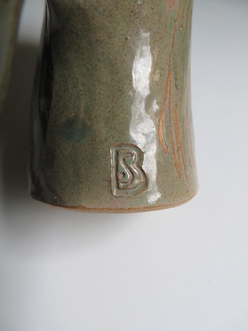 Sgraffito owl, BS or SB mark - Stuart Bass Img_8611