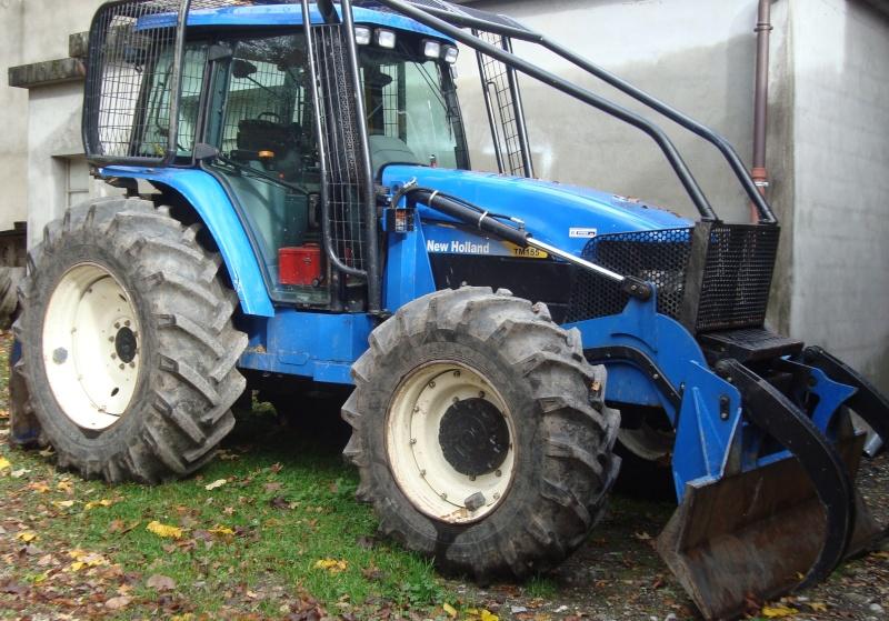 tracteur forestier New Holland TM155 Dsc08313
