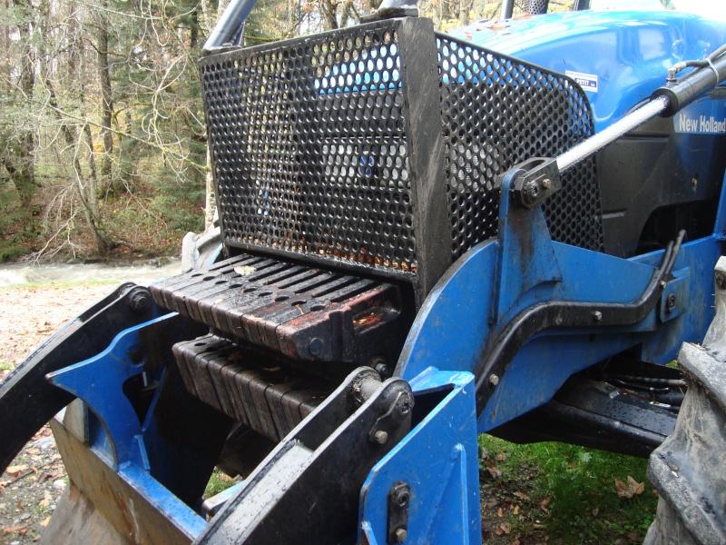 tracteur forestier New Holland TM155 Dsc08314