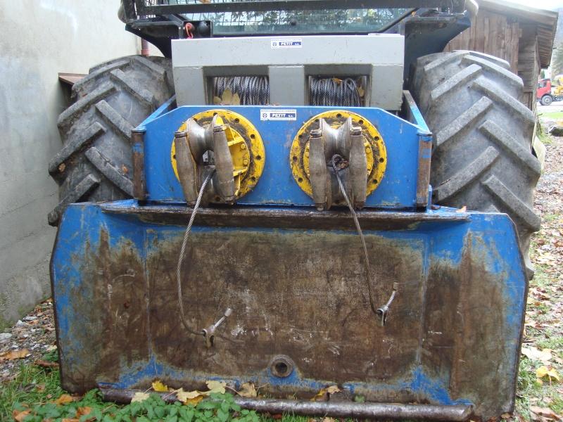 tracteur forestier New Holland TM155 Dsc08315