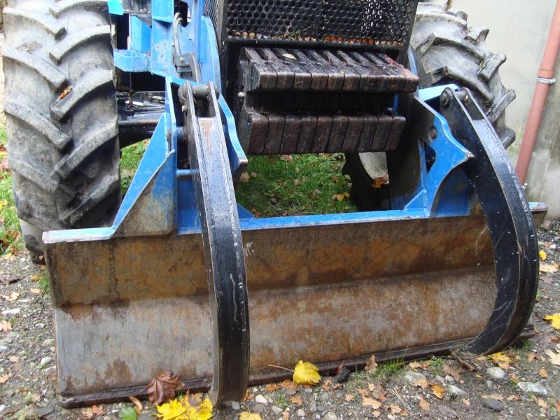 tracteur forestier New Holland TM155 Dsc08318