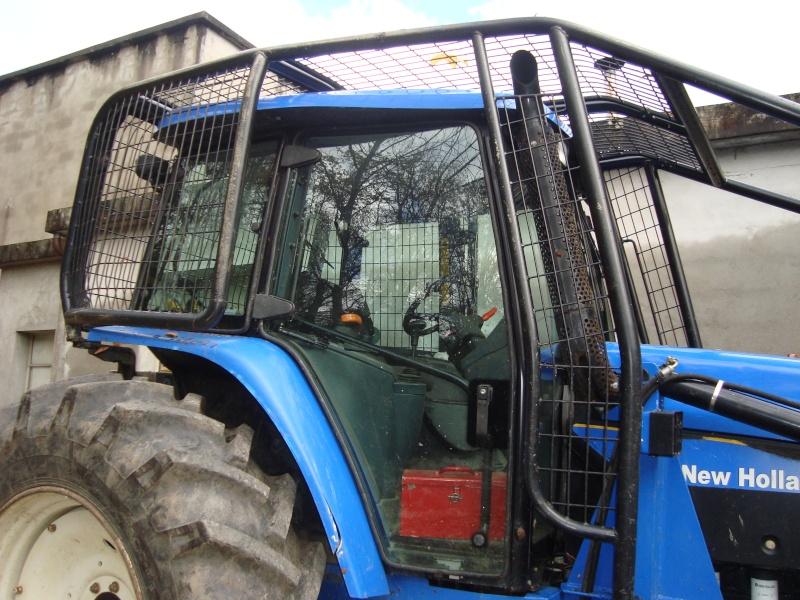 tracteur forestier New Holland TM155 Dsc08319
